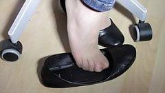 Giorgia's shoeplay in naylon and Black Ballet Flats