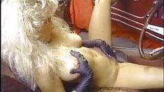 Victoria Paris & Kassi Nova screw Tom Byron - Classic 3some