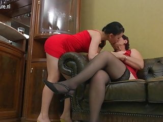 Mature lesbian with young girls 4 Mature lesbian mom fucks young girl