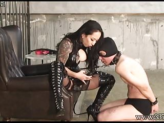 Letta lick the Japanese dominatrix makes slavery lick the ass and suck the