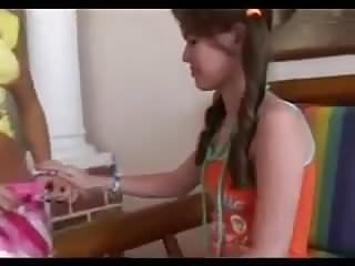 Toung teen puussy - Toungeing teenies
