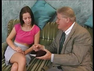 Hairy sack - Junges girl und alter sack