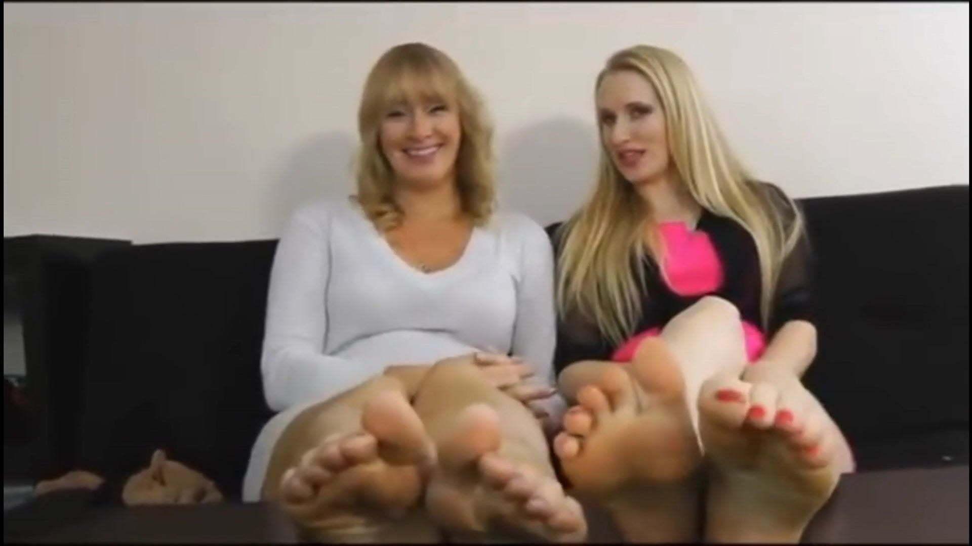 Lesbian Feet Worship Tickle