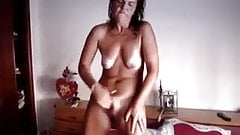 Nice Mature Works Her Pussy For Orgasm