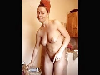 Amatuer wife cum - Amatuer wife applys lotion to her body