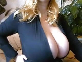Huge boob cartoons - Huge boob camshow 2 no-sound