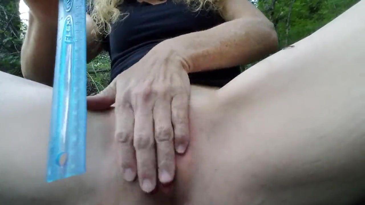 Hot Nude Photos ruler spanks a pussy