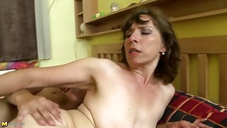 Dirty home stories with mature stepmoms