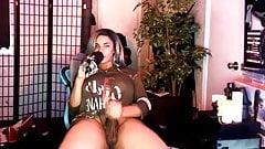 S. Strokes cums on webcam