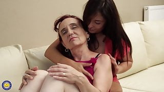 Granny get her pussy licked by girl