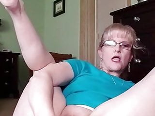 Blonde mature girl Blonde mature girls first anal masturbation, full version