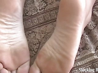 Help i cant orgasm I cant help but worship beckys beautiful feet