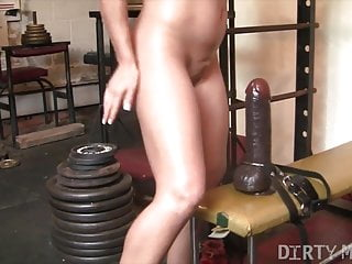 Fit woman tgp Fit hottie rides huge dildo in the gym