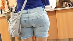 Candid big booty Mexicans milf in tight Jean shorts 2.