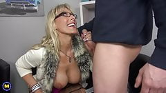 Sex bomb mom fucks young son and gets cum to mouth