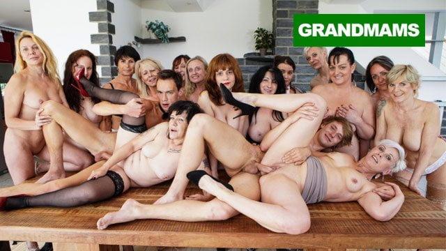 Sexy Spermaschluckende Zusammenstellung