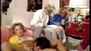 Campus Cuties (1985)