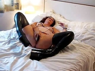 Mature latex wives - Mature latex slut 2