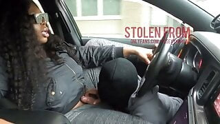 K4yl4 gets head in her car