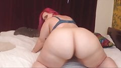 Hot BBW kitten Chu with colored hair and shaking bubble