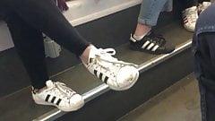 Скрытые кроссовки №3 - суперзвезды