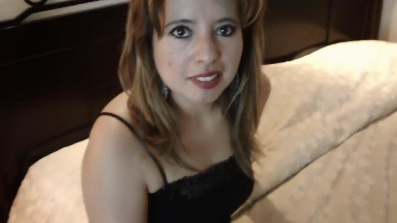 Claudia De Guatemala mire a mi panocha peluda