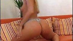 Fingering Hot Blonde Shows Offfm14