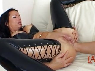 Gape tits Anal fisting and pussy fisting in a double fisting session