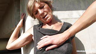 Hot tattooed grandma enjoys giving blowjob