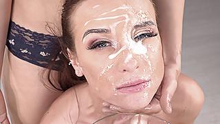 Vinna Reed & Amateur Camille Oceana flooded with cum