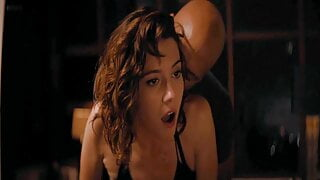 Mary Elizabeth Winstead – topless and sexy movie