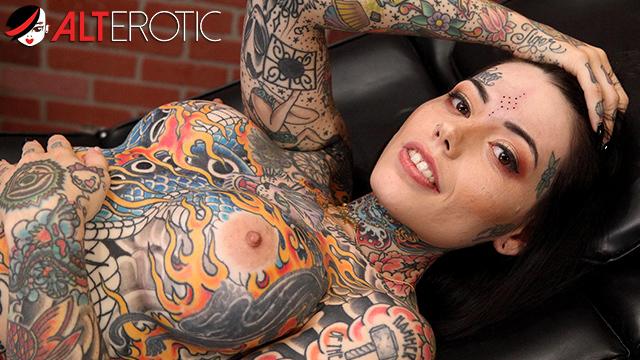 Frauen nackt models tattoo Category:Nude women