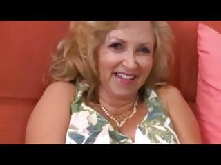 Lady older sexy - Older lady gets her wishes with a bbc anal