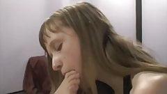 Чувственные ступни блондинки-лесбиянки поклоняются