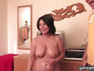 Dick sharing a room - Ganzgeil.com horny german milfs sharing a lucky dick