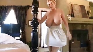 Busty Mature MILF Loves Morning Tits Fuck in POV