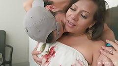 Pareja puertorriqueña real Jolla y Mark hacen el amor en el balcon