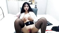 White, tender, beautiful, sister's live broadcast and a grou