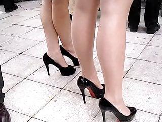 Upskirt and pantyhose pics Candid high heels and pantyhose