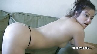 Brunette hottie Bella Rossi is playing with her twat