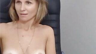 L4dy 4d4 naked