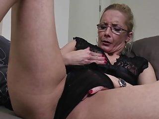 Mother needs sex - Damn hot mature mother needs a good fuck