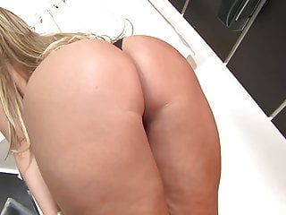 Italian woman who suck cock porn - Woman who knows how to ride cock