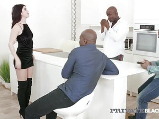 Florence 4 pee dee sc - Private black - sweet lady dee gets gangbanged by 4 bbcs