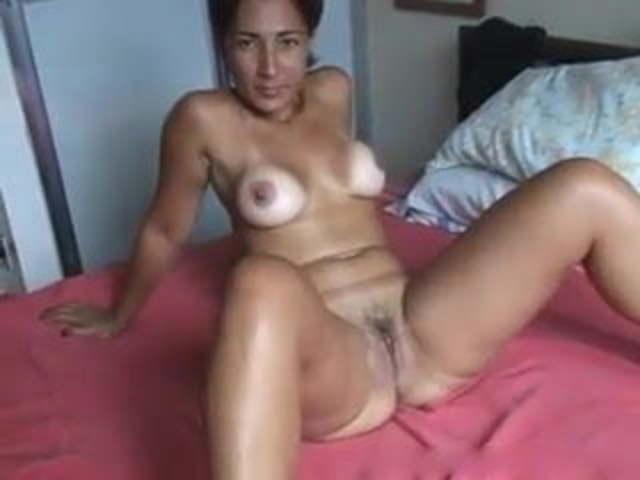 Amateur Big Tit Latina Milf