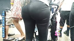 Candid Ass Thick Booty in Spandex 18