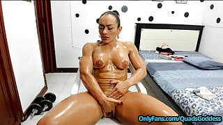 Muscle Girl with Big Clit – Multiple SQUIRTS on PVT Skype Show