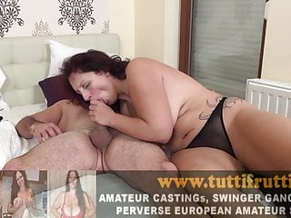 dick sliding in pussy
