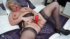 Chubby real mother with lovely old body