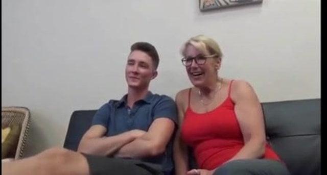 Mom Son Watch Porno